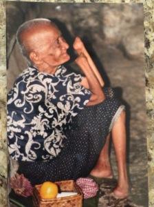Woman with smile_Angkor Wat